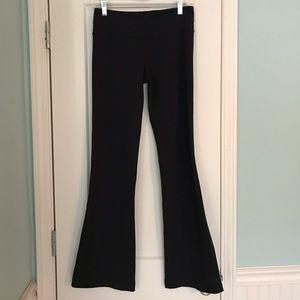 Lululemon Black Groove Pant Size 6